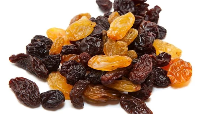 11 Surprising Benefits Of Raisins yogagrit blog 2017